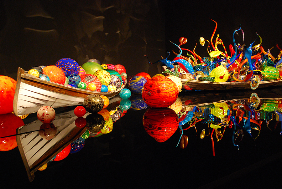 Ikebana and float boats at Chihuly Garden and Glass