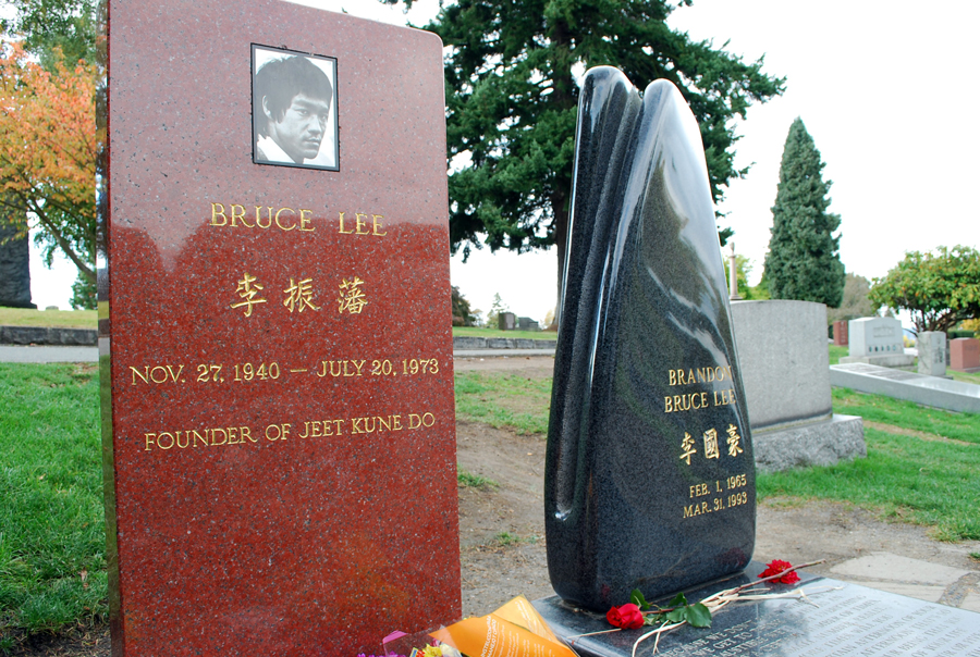 Bruce Lee Grave Site In Seattle Lake View Cemetery Seattle Bloggers