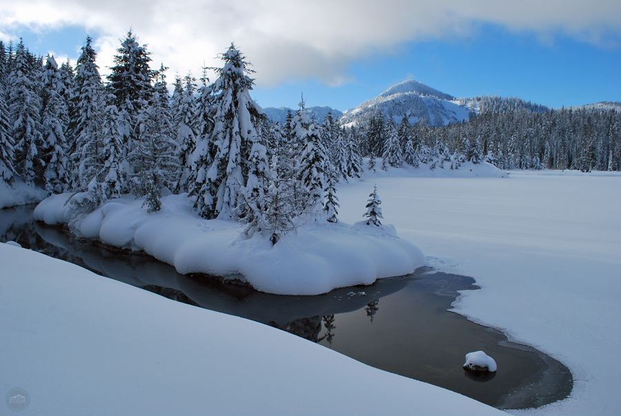 Gold Creek Pond Snowshoeing