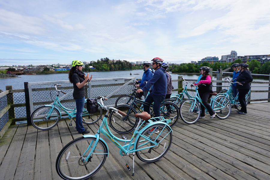 Hoppy Hour Bike Tour in Victoria