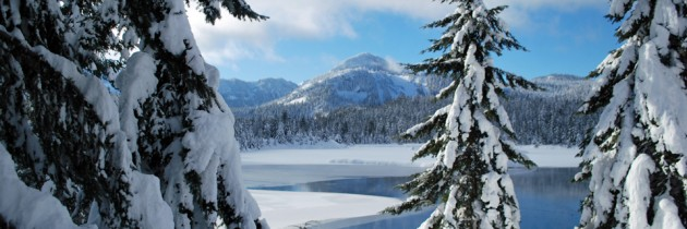 Gold Creek Pond | Snowshoeing at Snoqualmie Pass